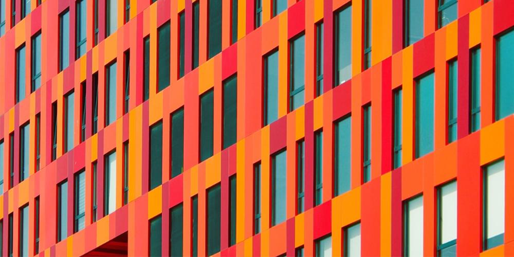 Şehri Renklendiren Sanatçı: Yener Torun