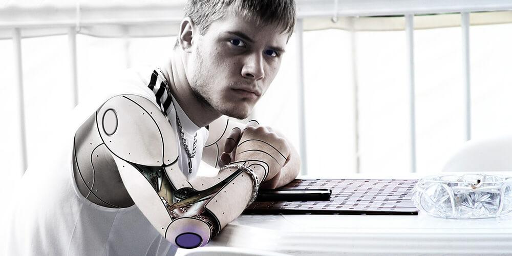 Robotlaşma Korkutucu Boyutta Olmayacak