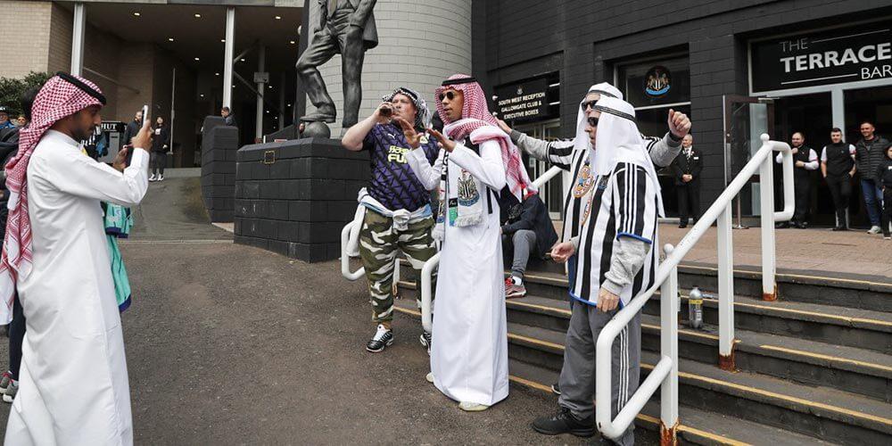 Arap Kıyafetli İngiliz Taraftarlar