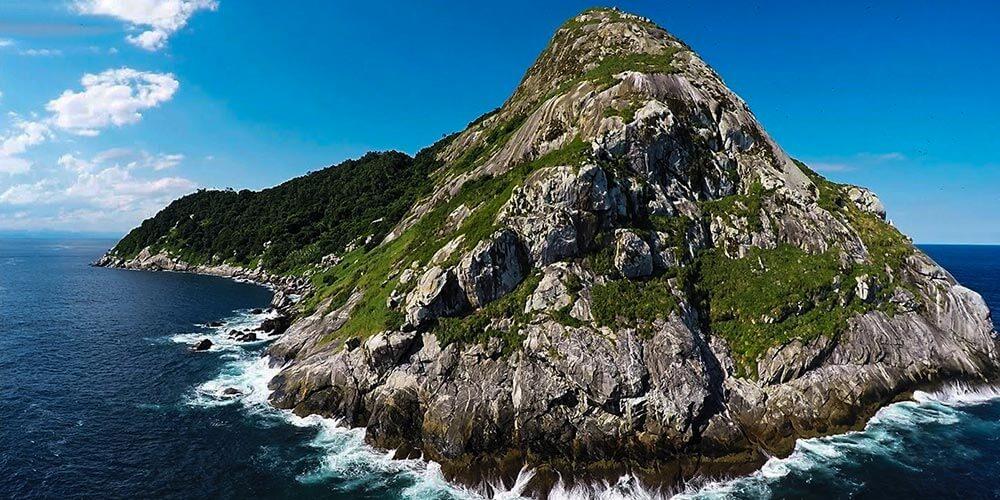 Dünyanın En Tehlikeli Adası: Yılan Adası