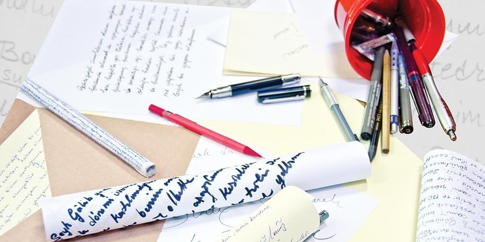 El Yazımız Bizi Ele Veriyor