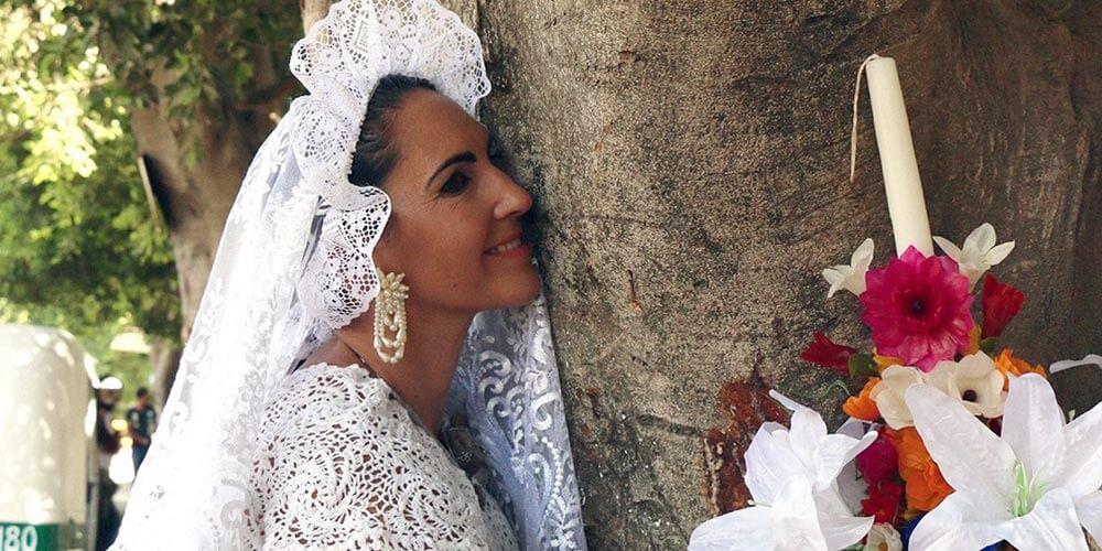 Meksika'da Ağaçlarla Evlenen Kadınlar